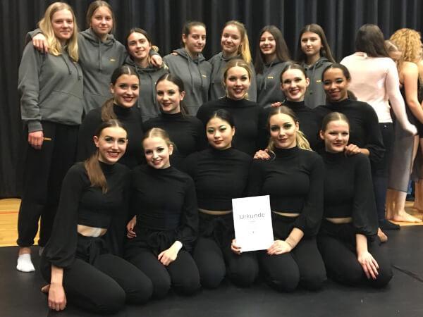 Turnierformation - sandance - Tanzstudio Susanne Gauf